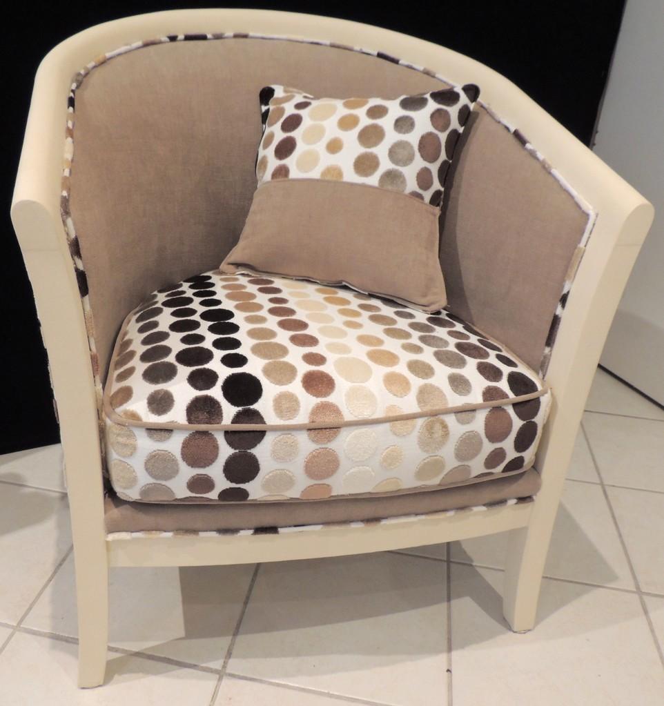 tissu d ameublement fauteuil les tissus d 39 ameublement pour tapisser les fauteuils. Black Bedroom Furniture Sets. Home Design Ideas