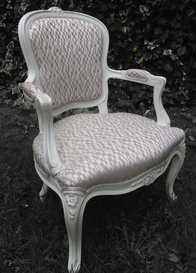 Les tissus d 39 ameublement pour fauteuil cabriolet et bergere style louis xv vendus par la rime - Comment nettoyer le tissu d un fauteuil ...